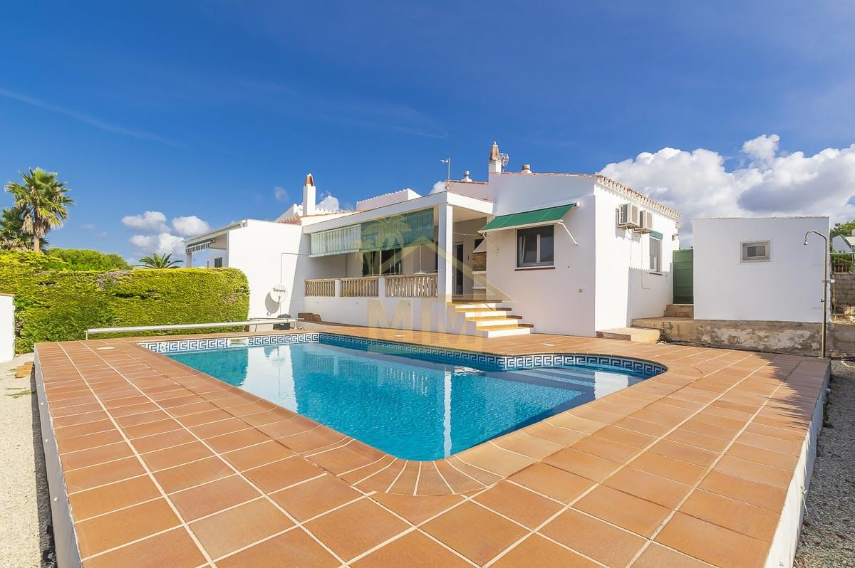 Canutells| 3-bedroom Semi-detached Villa with private Swimming Pool