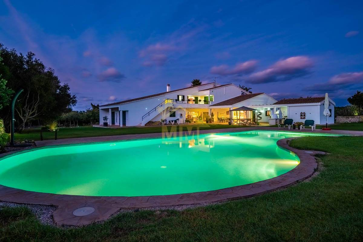 Trebaluger | Magnificent property with Land
