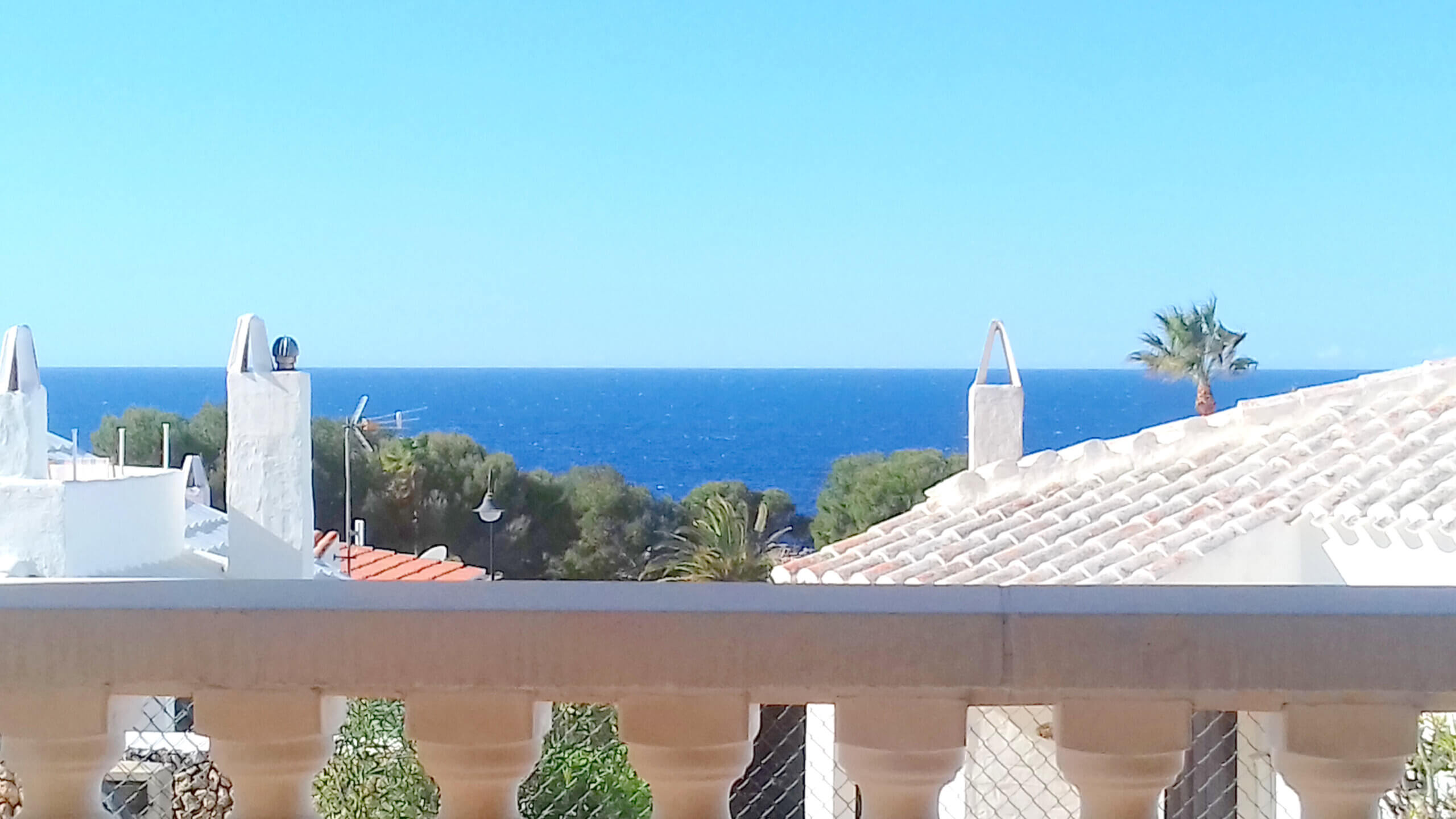 Binibeca Vell | Immaculate villa with sea views and Tourist Licence