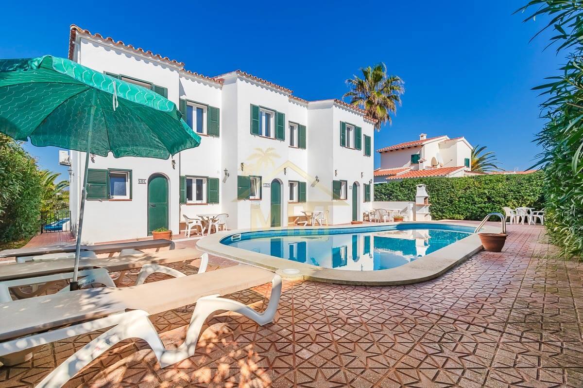 Addaya | 3 villas con piscina compartida.