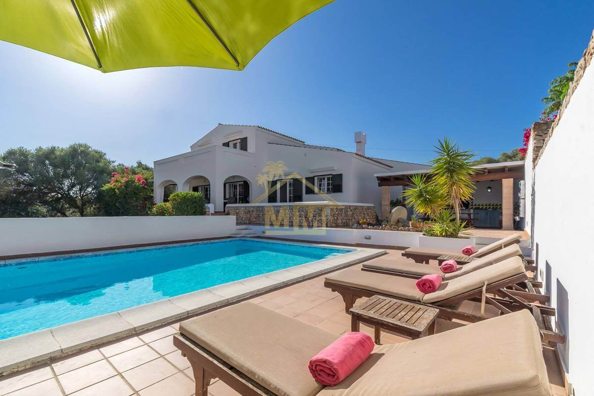 Llucmaçanes | Typical Menorcan Farmhouse style villa