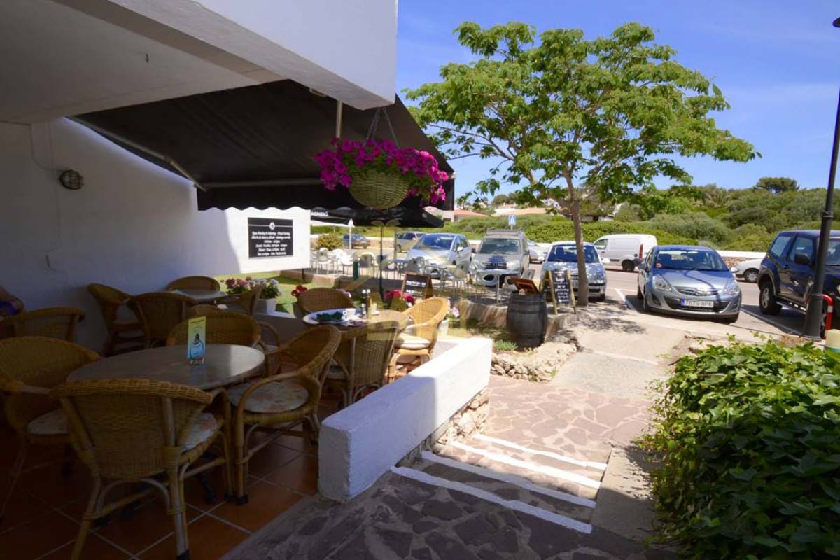Binibeca Vell | Popular restaurant in prime location