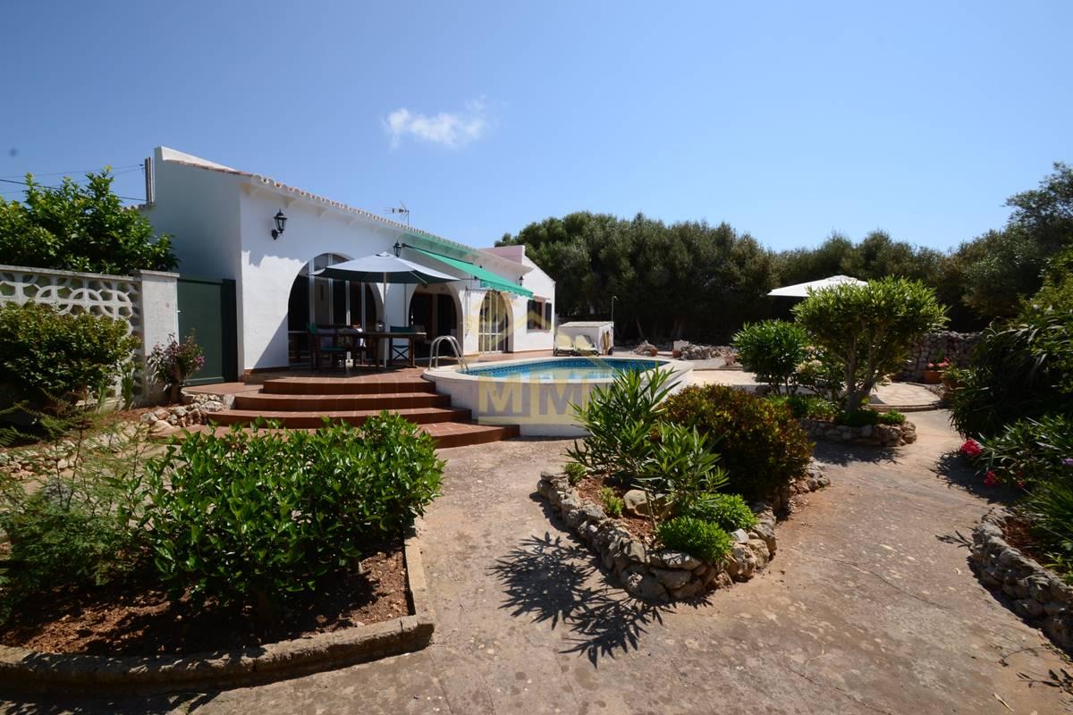 Trebaluger | Charming 3 bedroom villa in pretty village