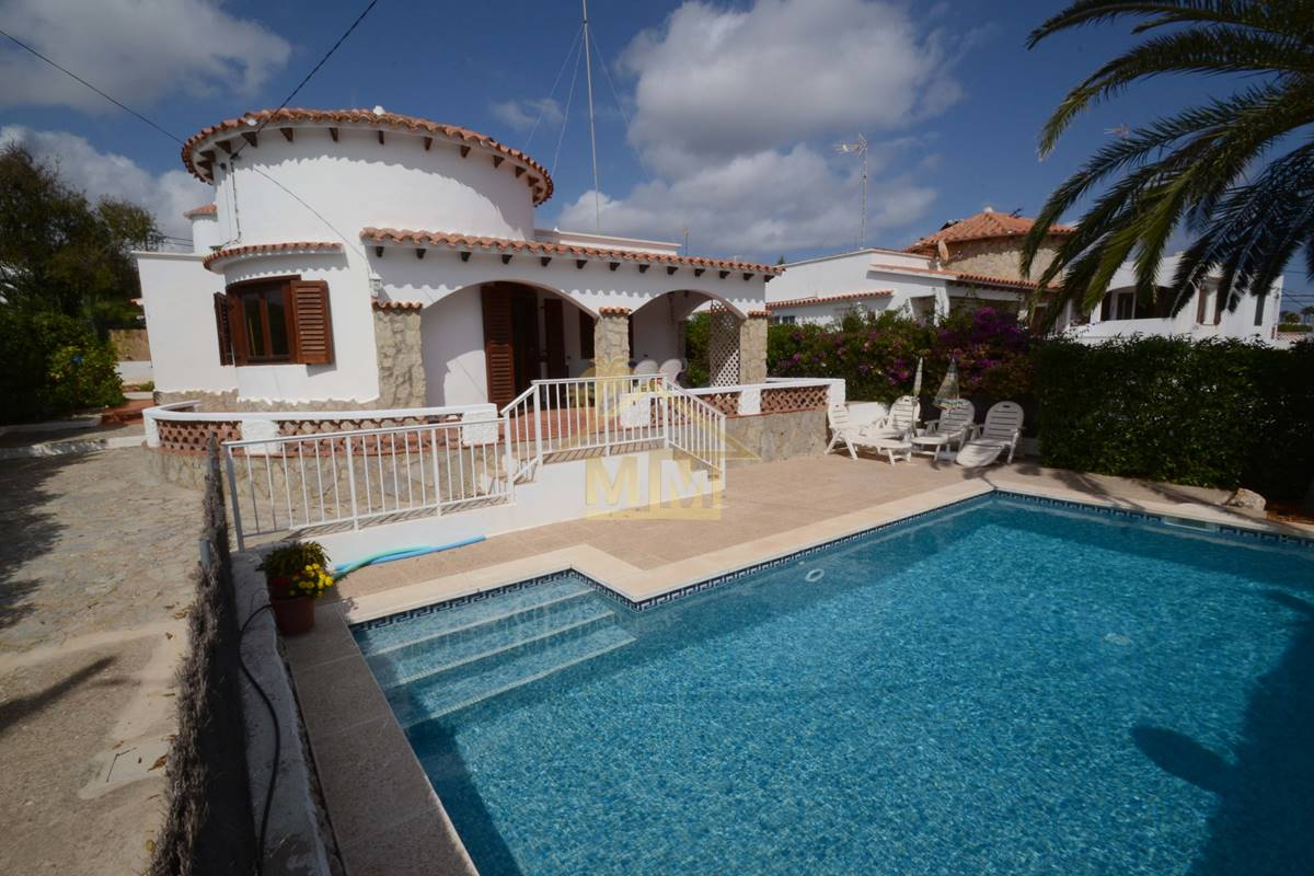 Punta Prima   Familienvilla mit 3 Schlafzimmern
