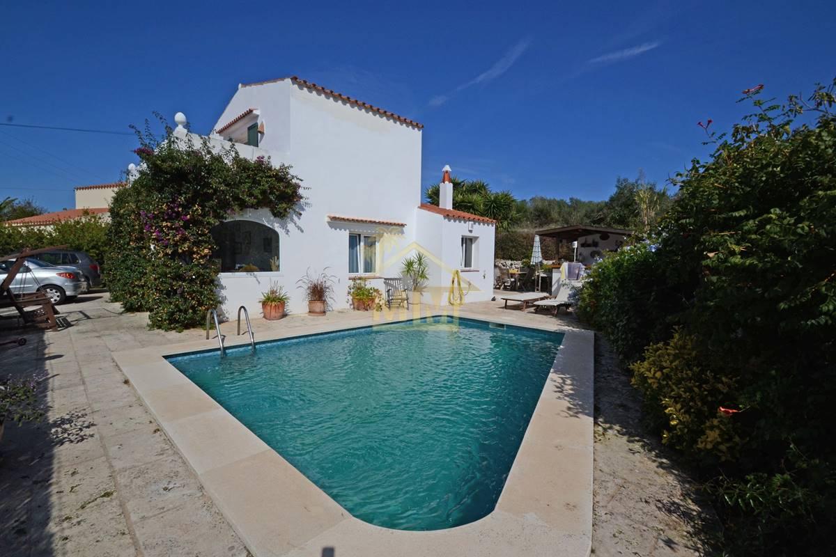 Trebaluger| Attractive 3 bedroom villa in pretty village