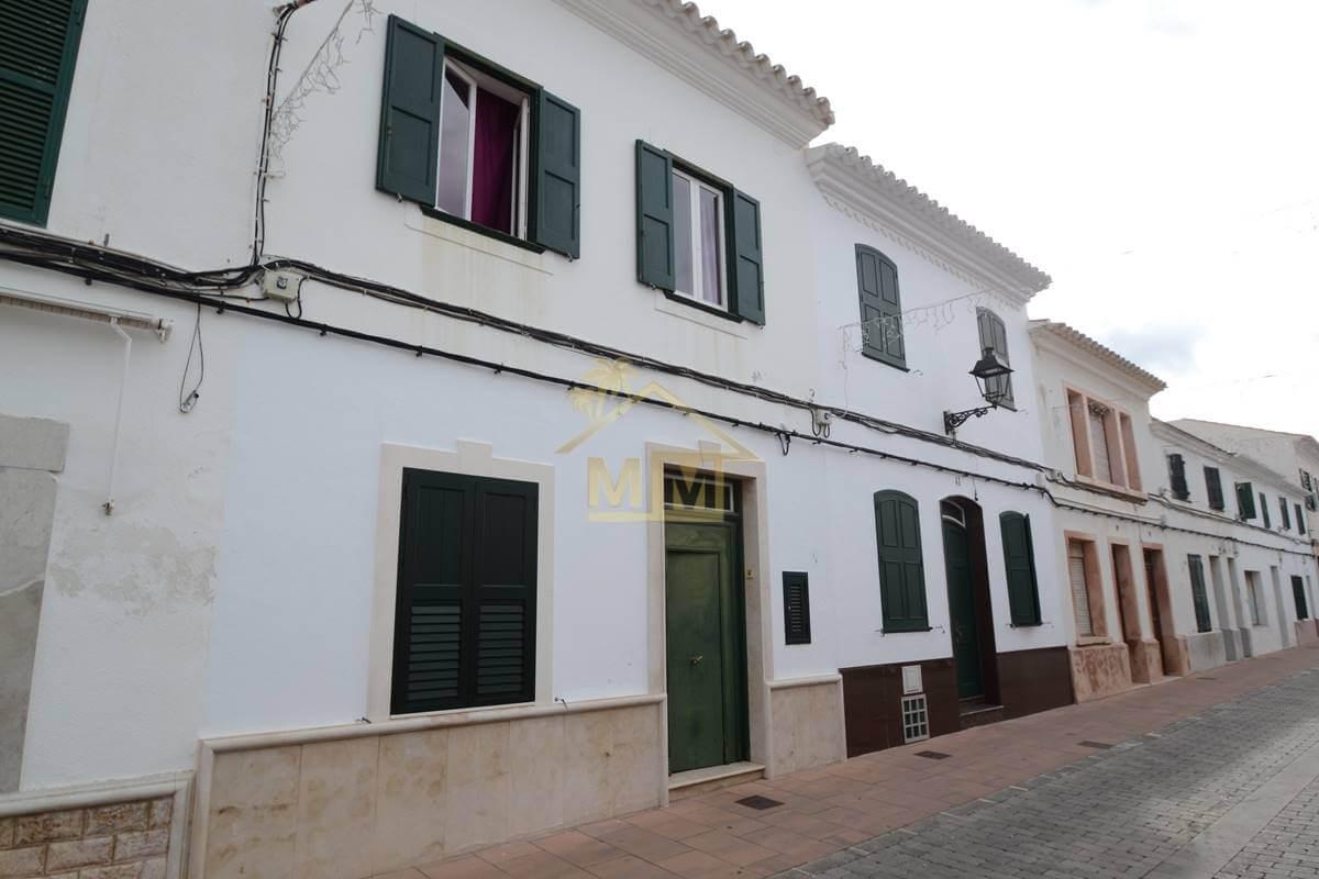 San Luis|4 Bedroom First Floor Townhouse