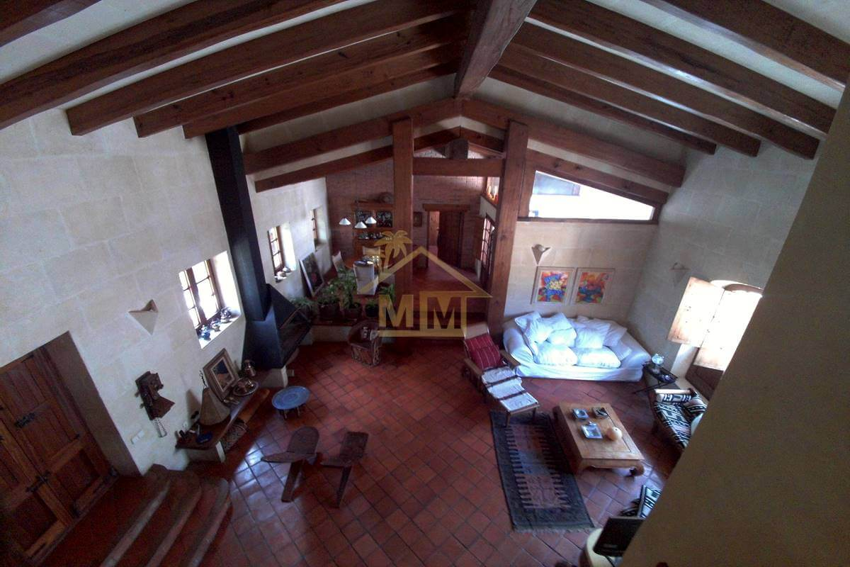 Biniparrell| Converted barn with guest house