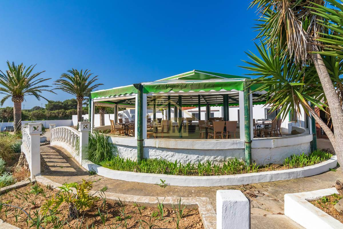 Es Castell| Restaurant and Villa