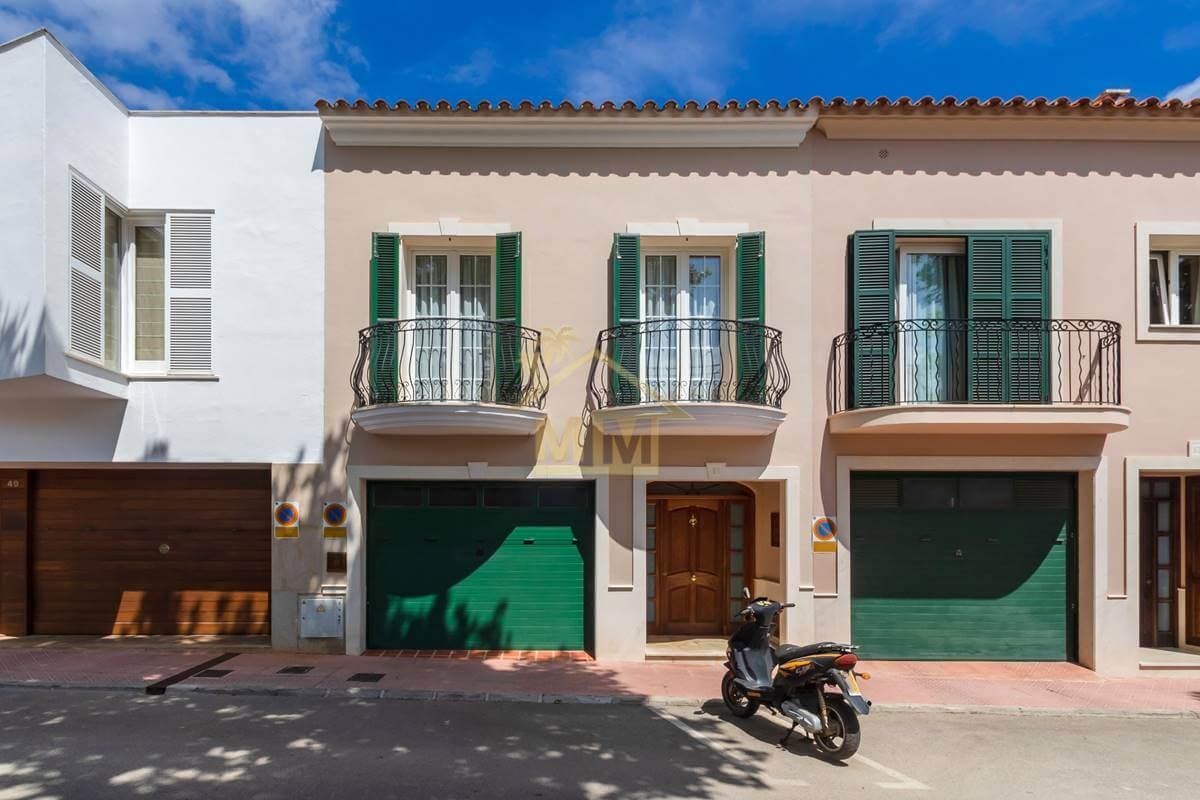 San Luis| Townhouse in the village