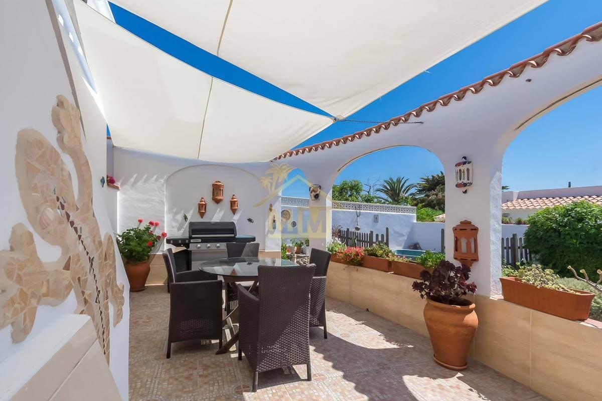 Calan Porter| Charming villa with sea views