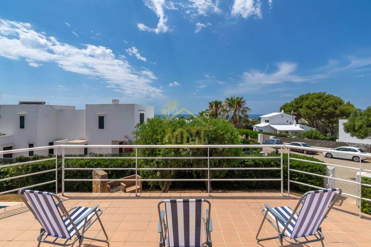 Binibeca| Immaculate villa with sea views