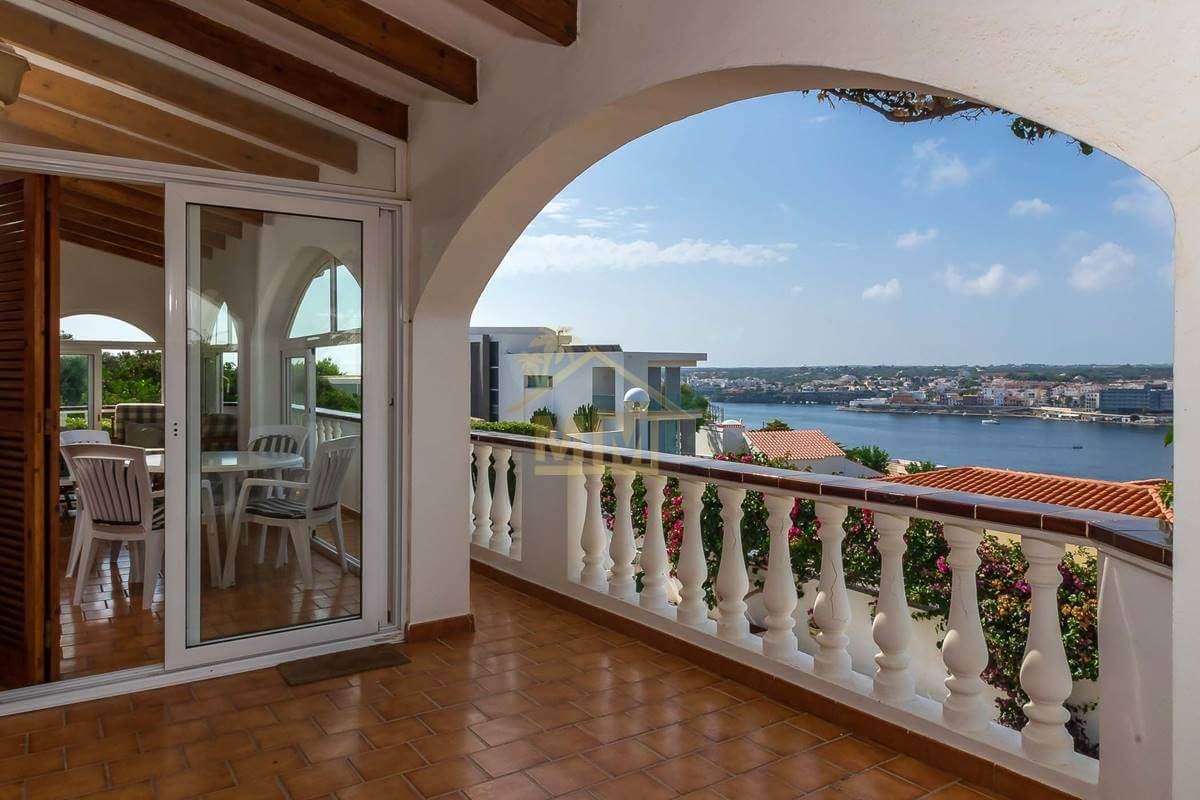 Cala Llonga | 4 bedroom villa with views