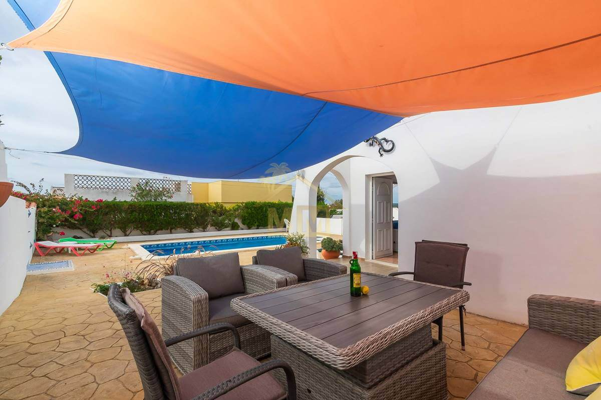 Calan Porter| 3-bedroom Semi-detached Villa with shared Swimming Pool
