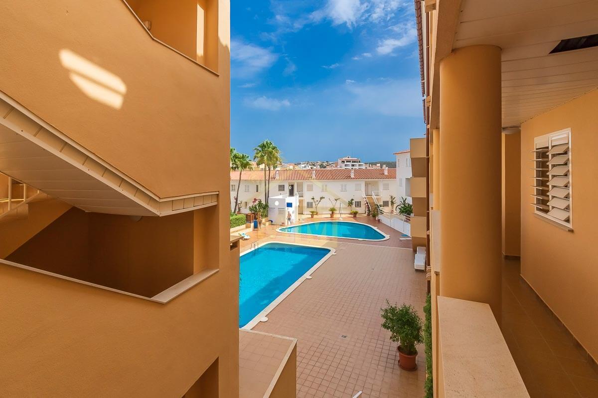 Santa Ana | Apartment with communal pools