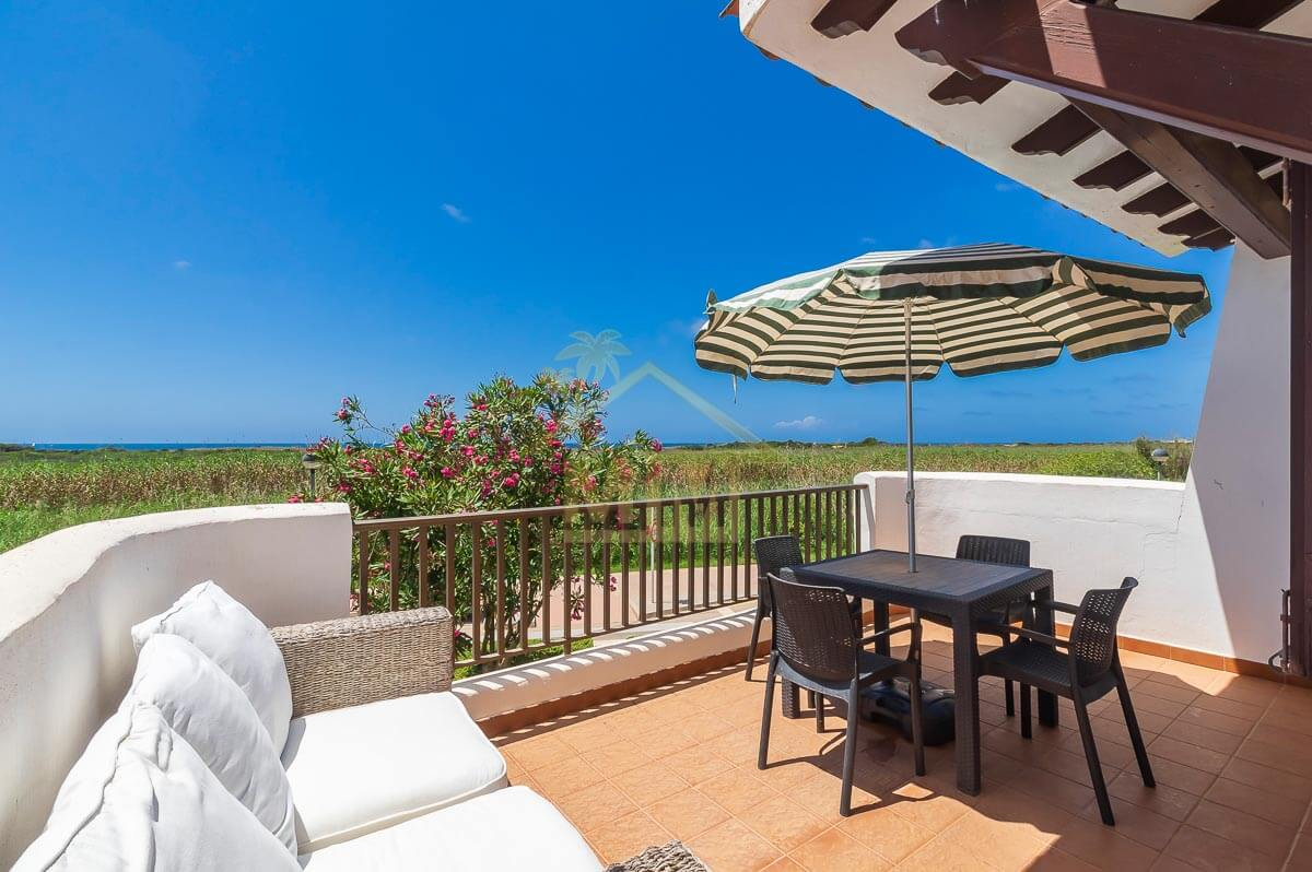 Son Bou| 3-Bedroom apartment with sea views and Tourist License