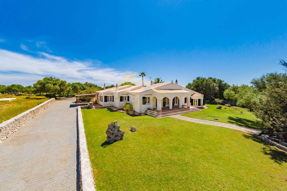 Mahón| Country house with Land