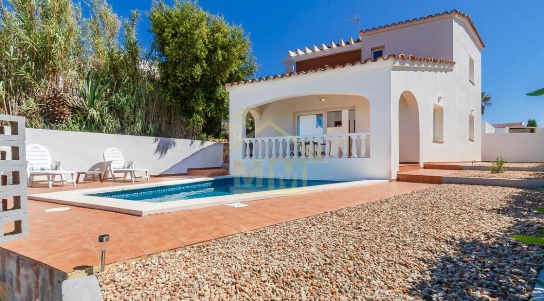 Villa for sale in Cala Llonga