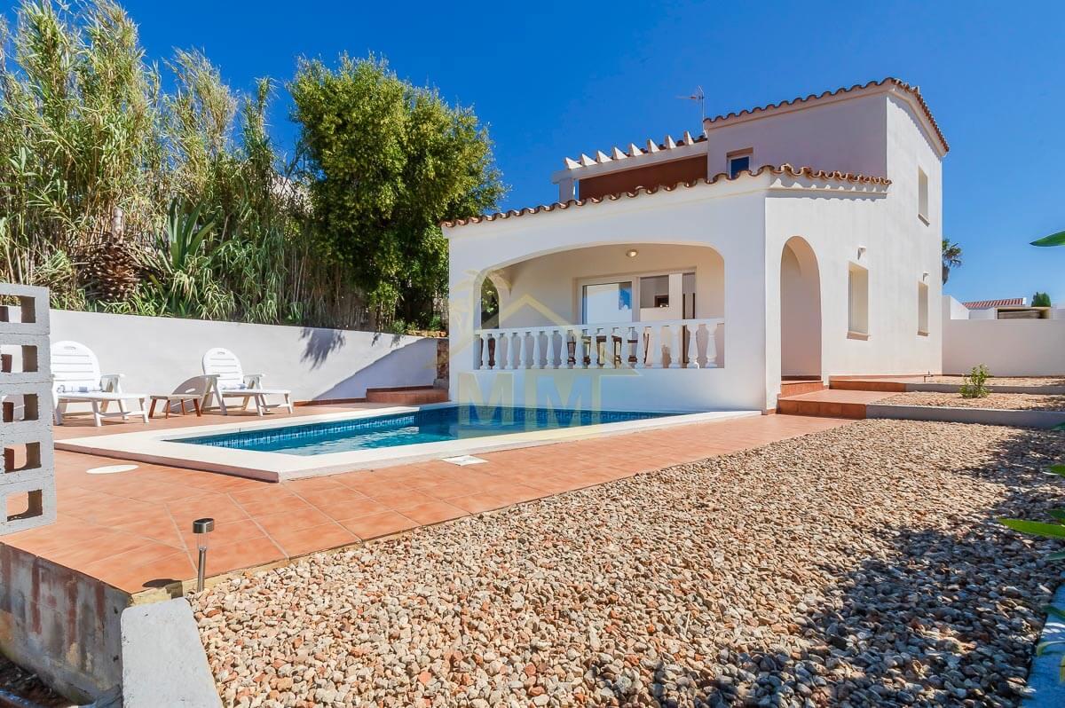 Cala Llonga| Smart Villa in quiet area