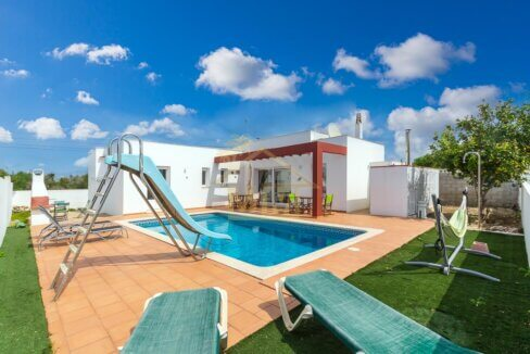 Villa for sale in Calan Porter Menroca