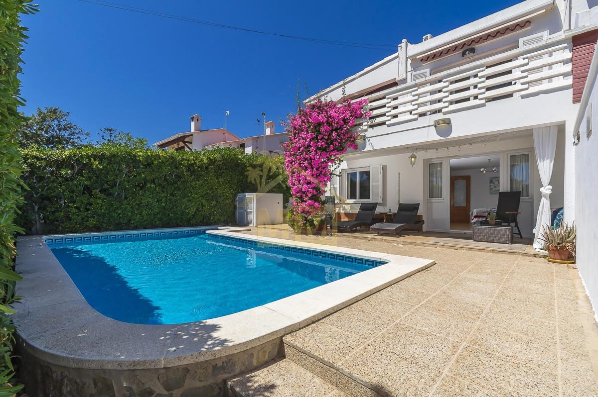 Punta Prima | Villa with Tourist License and sea views