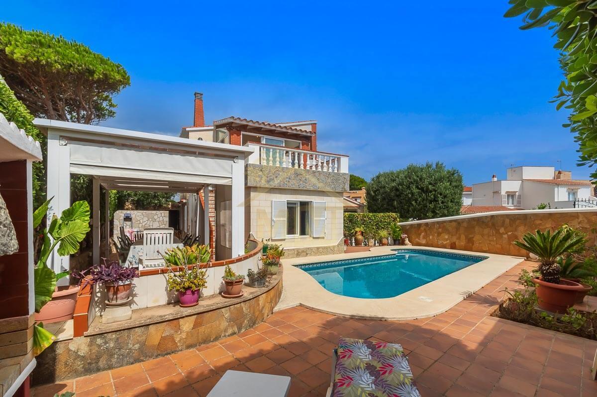 Santa Ana| Detached villa with private swimming pool