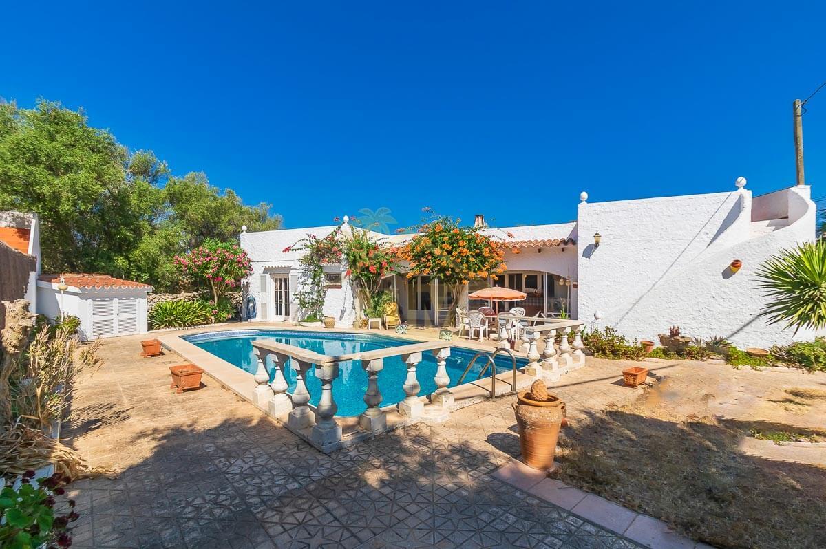 Trebaluger| Villa with private swimming pool