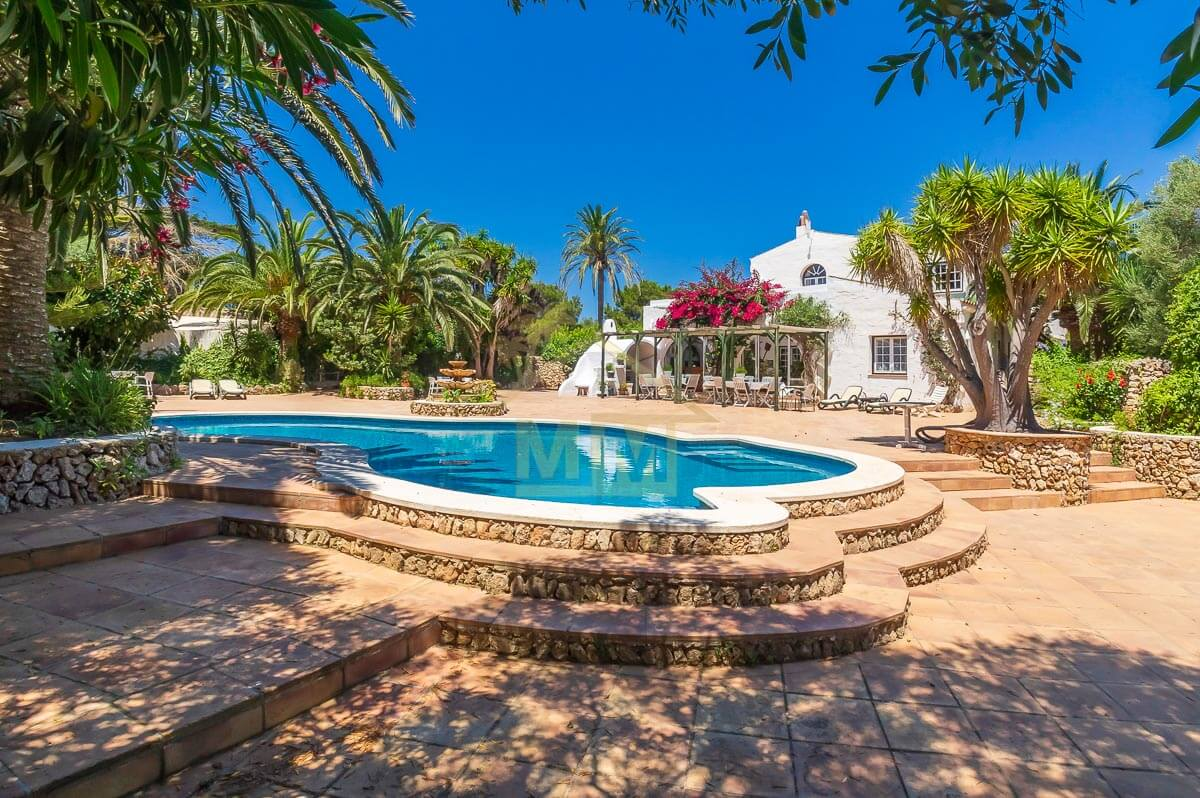 Es Castell| Country House in quiet location