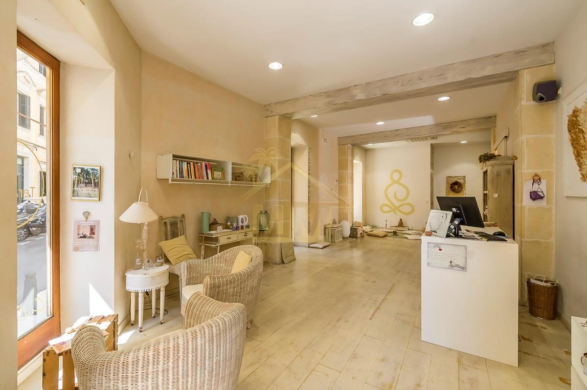 Mahón| Refurbished business premises