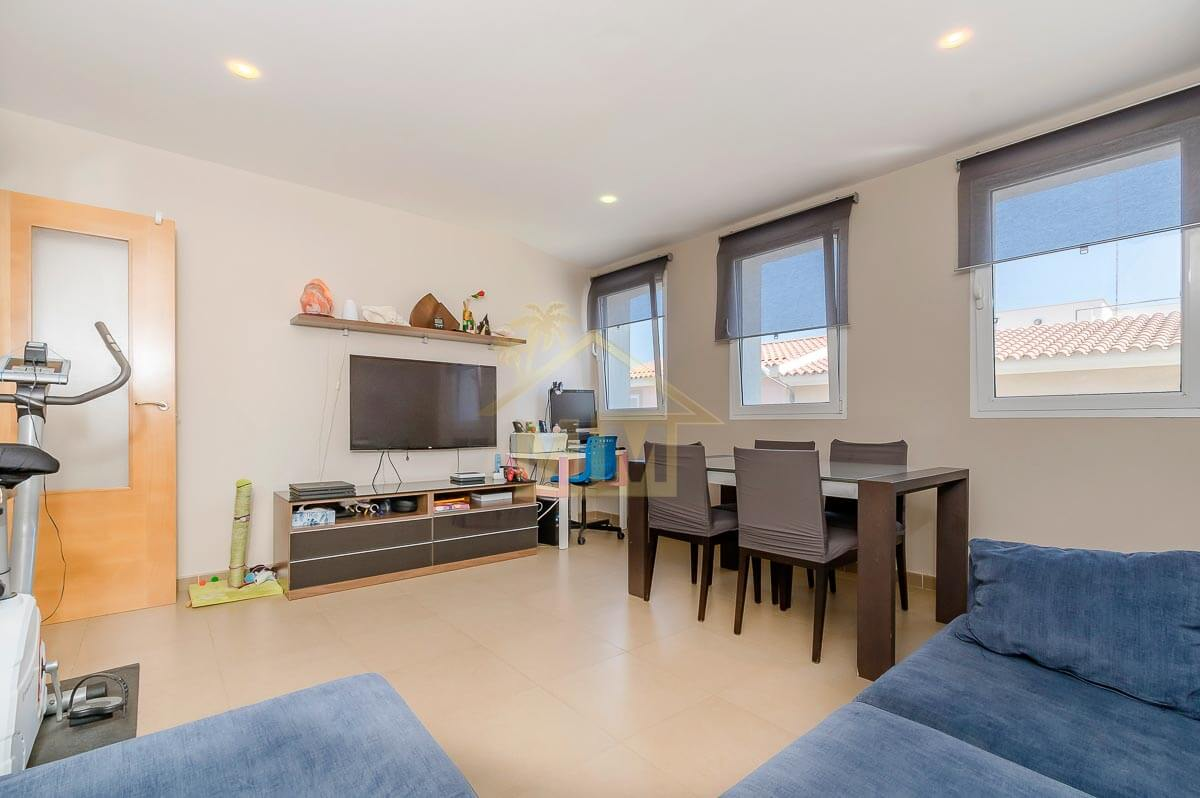 Es Castell| Impeccable apartment in quiet street