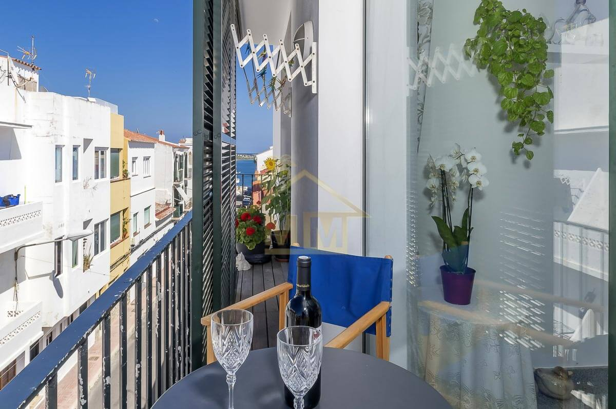 Es Castell| Impeccable apartment in quiet street