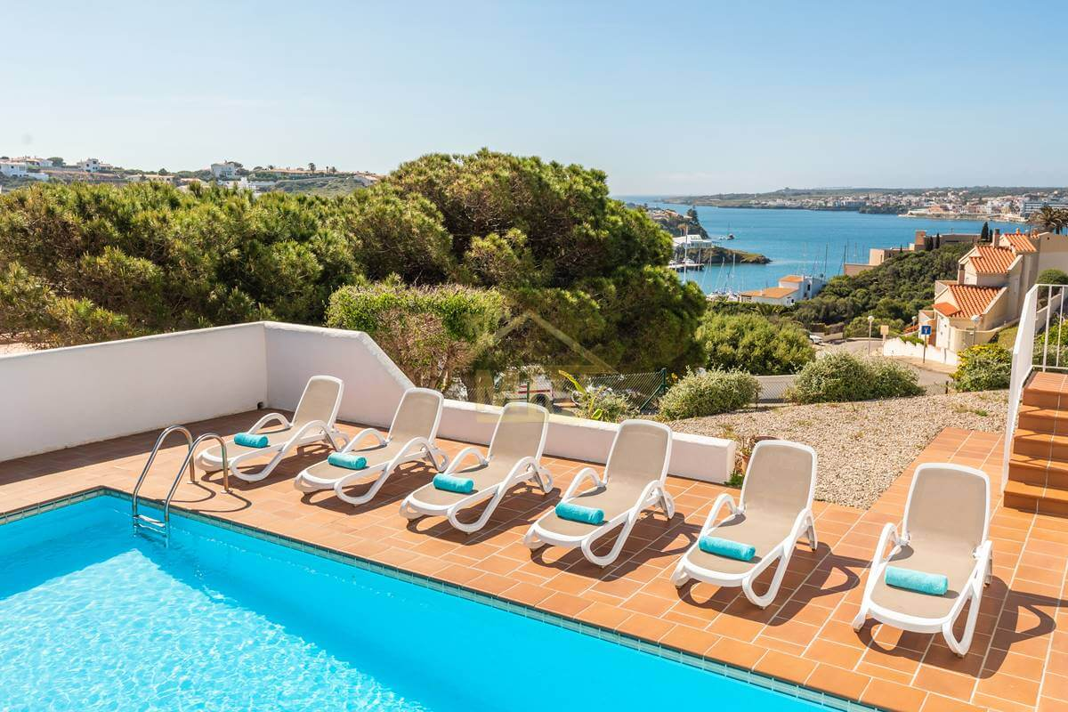 Cala Llonga| Villa with Tourist License and views